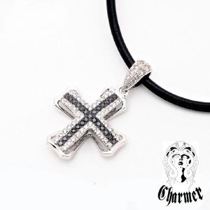 K18ダイヤチャーマークロスペンダント[S]